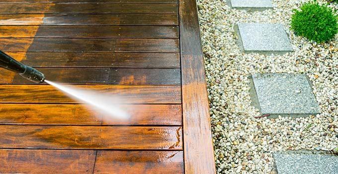Trærens terrasse - Sådan holder du din terrasse ren og pæn